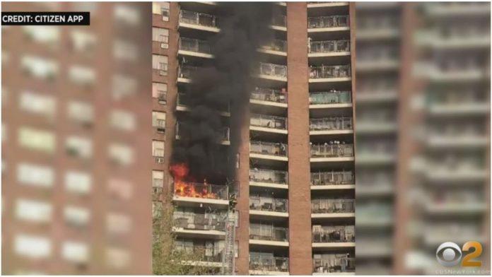Djevojčica (6) zbog požara skočila s balkona na 6. katu