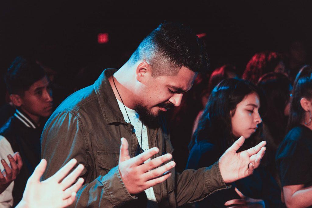 Kako moliti u javnosti