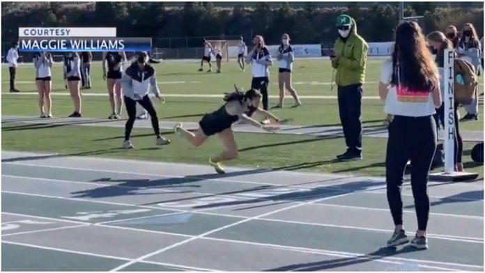 Učenica se onesvijestila jer je bila prisiljena trčati s maskom