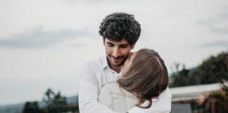 žena pokorna svome mužu