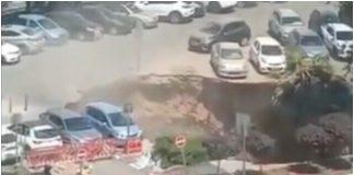 Jeruzalem rupa progutala nekoliko automobila