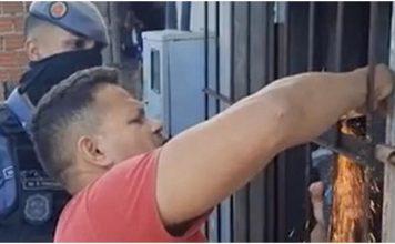 Policajci pronašli gladnu golu djecu