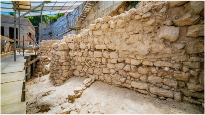 Arheolozi otkrili gradske zidine iz vremena prvog Hrama