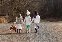 Djevojčica (4) tri dana brinula o mlađim sestrama