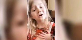"""Preslatka djevojčica propovijeda na internetu: """"Bog je taj koji će vas osloboditi grijeha"""""""